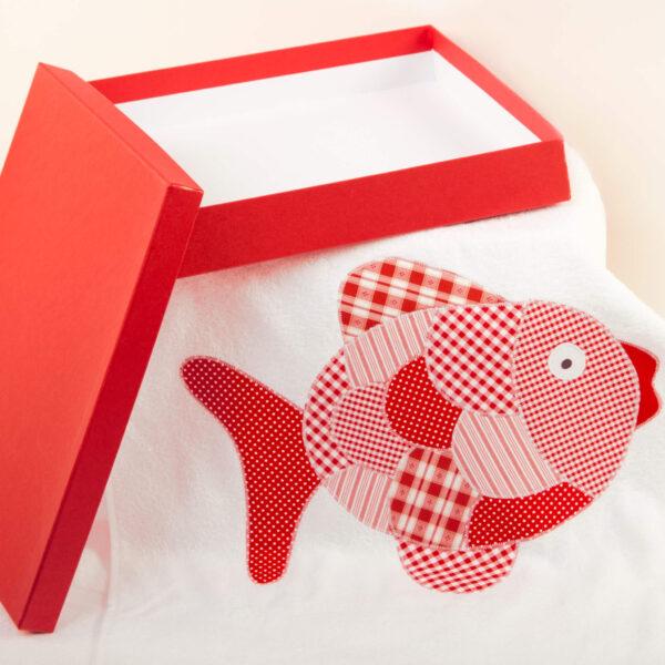 Badetuch weiß mit rotem Fisch
