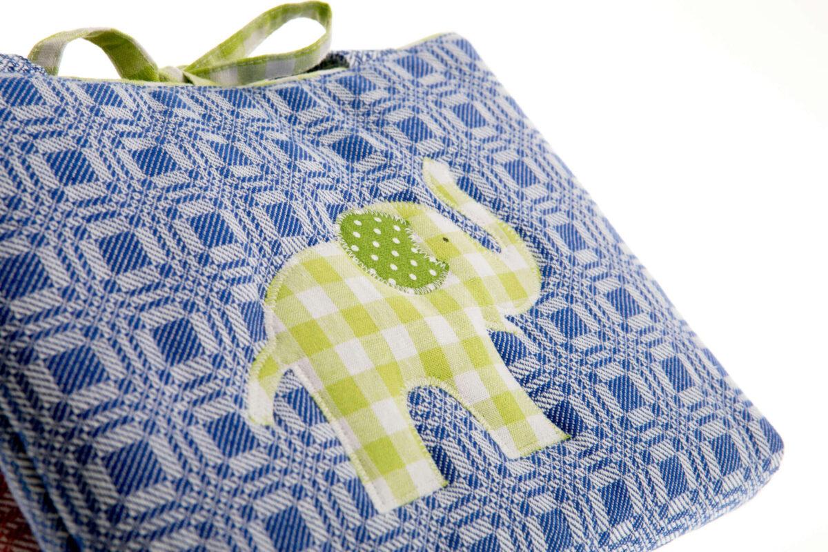 Tasche blau mit grünem Elefant